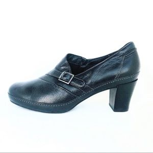Clark's  Black Leather Comfort Clogs, Size 9M.